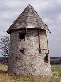 Spálov, nejmenší větrný mlýn v ČR