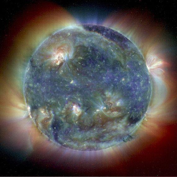http://www.treking.cz/astronomie/slunce-ze-soho2.jpg