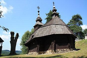Dřevěný řeckokatolický kostel sv. Michala Archanděla v Inovcích