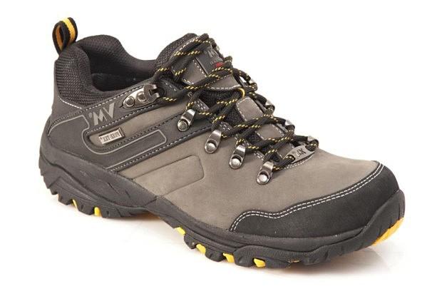 Pracovní obuv je do hor někdý lepší než drahé trekové boty #turistika
